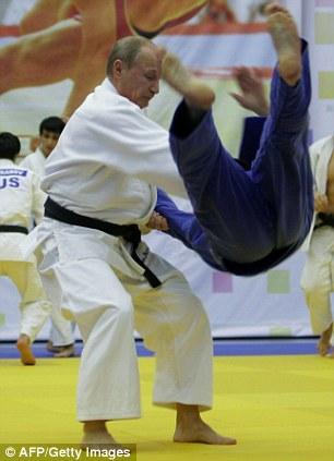Vladimir Putin judo throw
